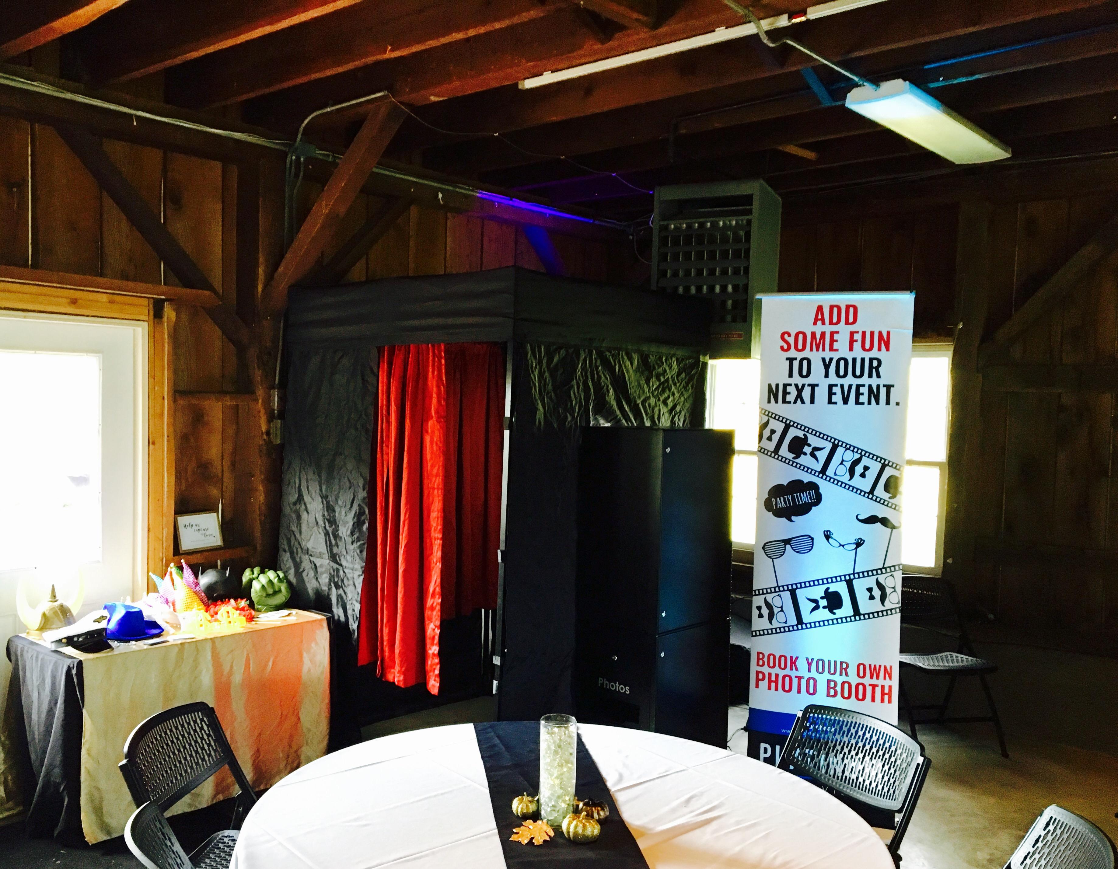 Photo Booth Fun at Arlington Country Club Richmond, Kentucky